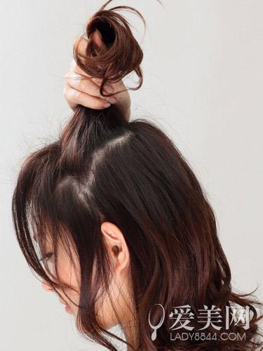 长发发型扎法 六步骤展现轻熟感|长发|发型