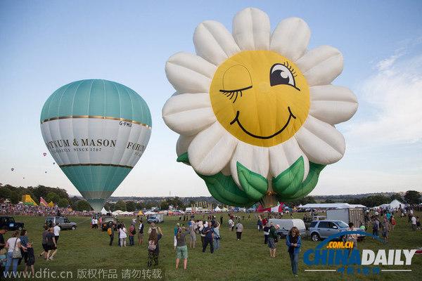 花朵造型热气球(图片来源:东方ic)
