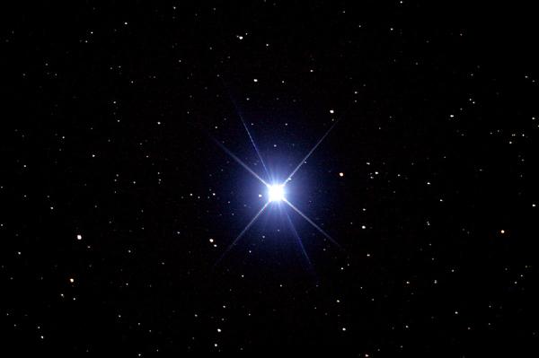 新华网日本频道北京8月13日电 还在为没有亲眼看到超级月亮而懊恼吗?还在为迎接即将到来的英仙座流星雨做准备吗?近日,《赫芬顿邮报》日文版就为广大星空迷们搜集了各种美丽的宇宙写真。星空浩瀚,天文奇观,足不出户,一睹为快!【编译:彭纯/陈晓卿(实习)】
