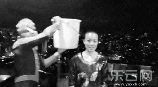 冰桶大挑战根本停不下来!|容祖儿|周杰伦_凤凰资讯