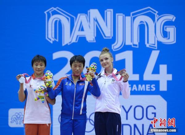 南京青奥会:朝鲜运鼓触动夺女性摔跤46公斤级