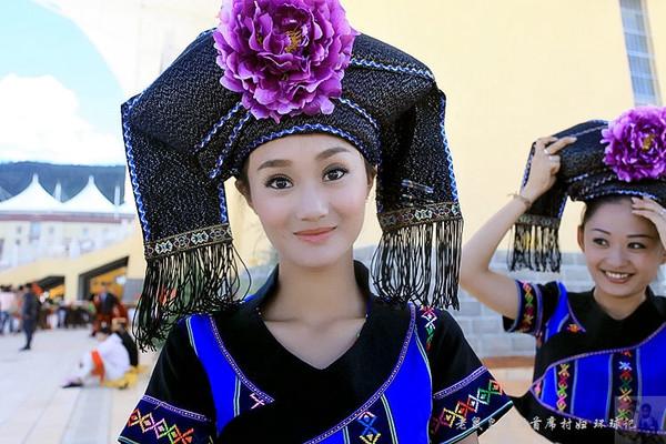 香格里拉少数民族运动会美女如云