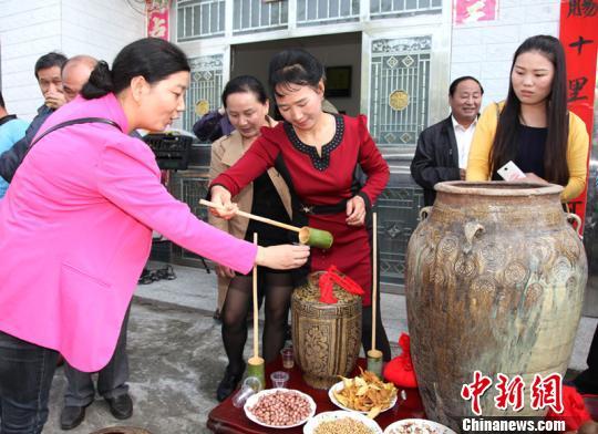 湖北谷城县150年酿造黄酒技艺得传承(图)图片
