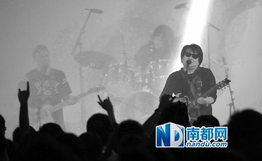 2013年11月,佛山创意产业园在旧厂房车间改造的空间内举办摇滚音乐节,吸引了大批歌迷追捧。