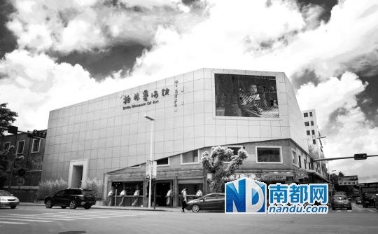 2013年6月22日,潘柏林艺术馆在禅城石湾和平路与跃进路交界处落成,这里原为陶瓷厂的旧厂房。