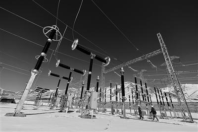 国内海拔最高铁路 牵引变电所送电成功