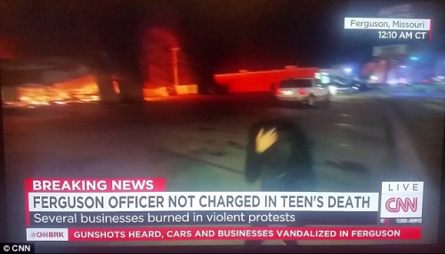 CNN的记者萨拉·塞得的头部被石头击中。