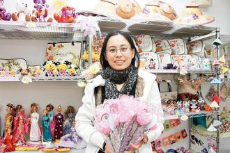 来自山西晋城的靳丽娜嫁为台湾媳妇后,以助人为乐。图:台湾《联合报》