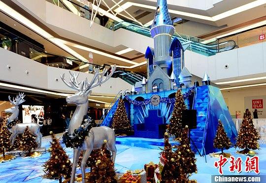 福州大型商场装点圣诞气氛抢商机
