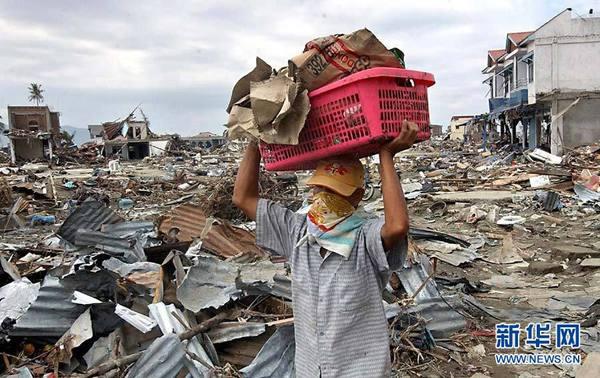 积极重建受灾家园,2004年的印度洋海啸促使国际社会加强防灾合作,提高