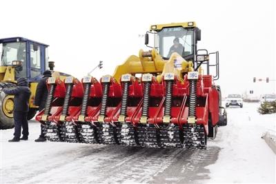 乌鲁木齐又双叒叕要下雪了?又要开始准备清雪设备!