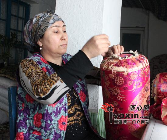 新疆沙湾粉色婚庆v粉色家居用品挣钱|家居|手工居民情趣玩具旗袍2V图片