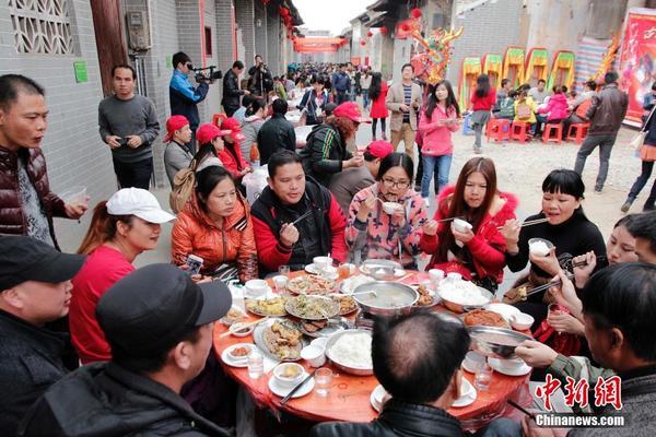 广西宾阳邀游客品尝百桌灯酒宴