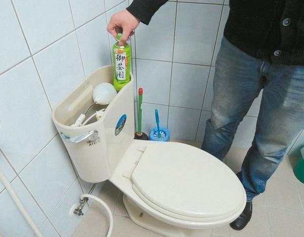 台湾缺水严重 自来水公司建议水箱塞砖头与马桶抢水