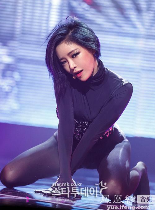 韩国性感Gain黑丝跪地热舞性感爆棚欧美在线观看视频女星图片