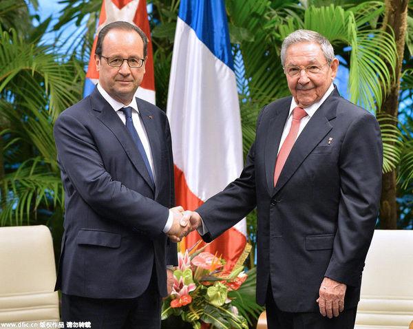当地时间2015年5月11日,古巴哈瓦那,法国总统奥朗德出访古巴,与古巴领导人劳尔·卡斯特罗会面。