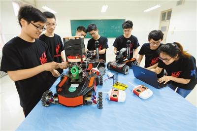 郑州大学zzu—spark科技创新团队成立于2008年,在物理工程学院老师的图片