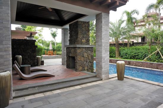别墅花园游泳池 东南亚风情大热