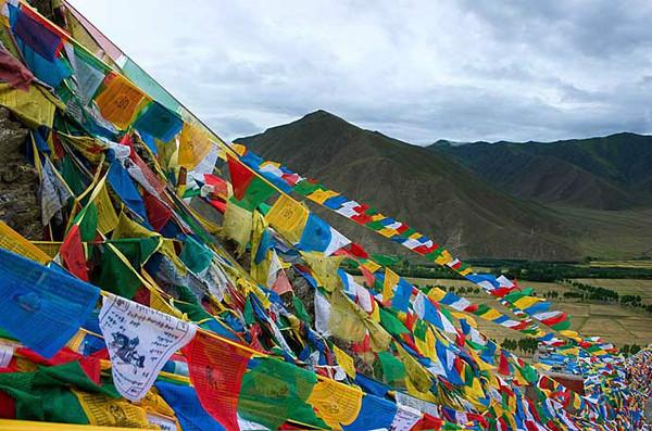西藏第一座宫殿——雍布拉康