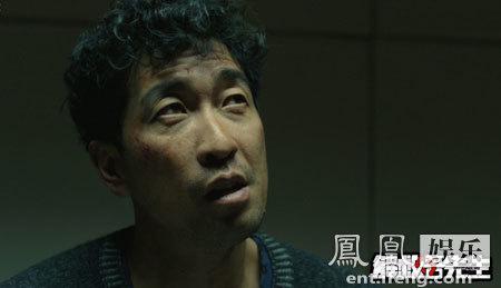《解救吾先生》曝审讯版系列海报 王千源尽显邪恶