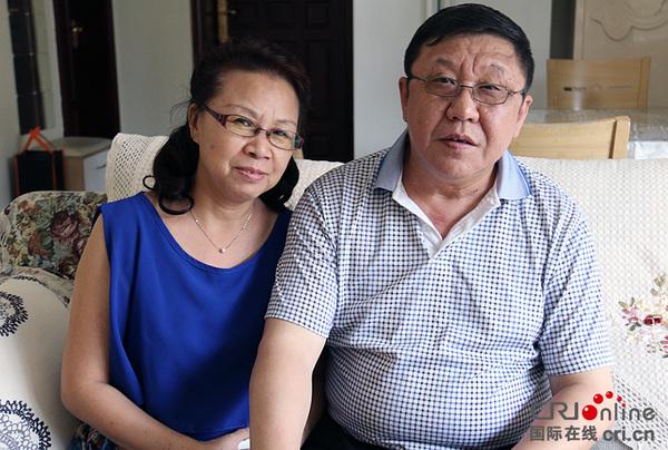 原清志的外孙黄明和他的妻子姚毅婧摄