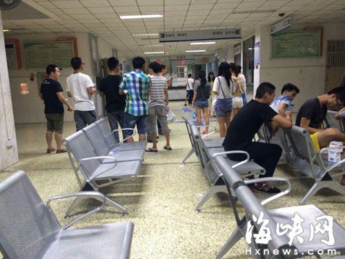 福州外语外贸学院十几个学生饭后腹泻 食堂一层被封