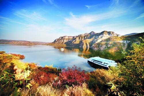 黄河三峡:探溶洞,乘攻略,登桃花岛,海陆空赏初秋研究成都大熊猫繁育基地游船图片