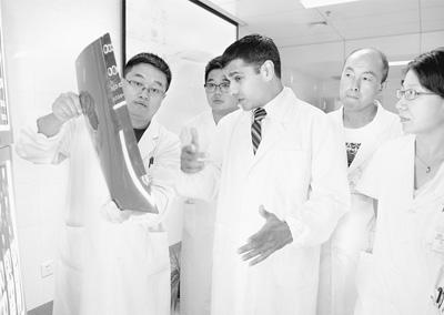 宁夏医科大学总医院肿瘤医院邀请来自美国一些医疗机构的医学专家
