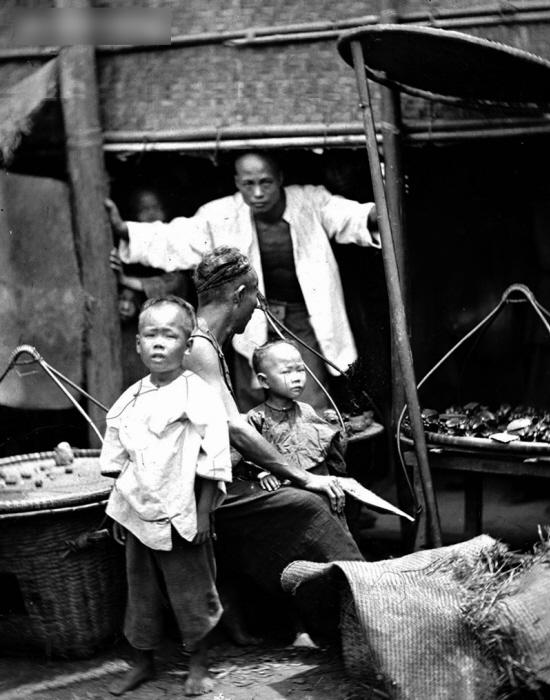 英国摄影家约翰·汤姆森拍摄的老广州人
