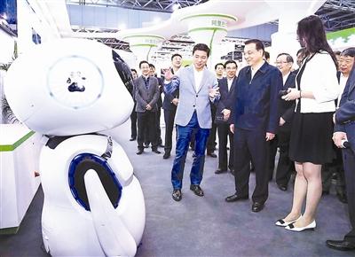 李克强对话智能机器人 李克强 国务院