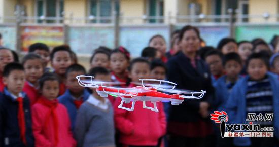 克拉玛依:蓝天让校园生活更具吸引力|校园|学生萧山小学科技图片