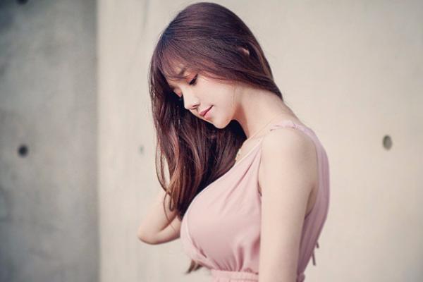 韩国可爱清纯美女