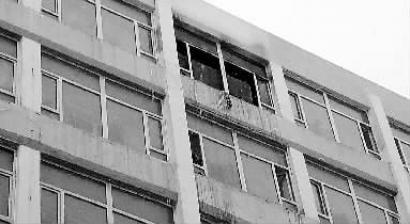 吉林化工学院一女生宿舍起火