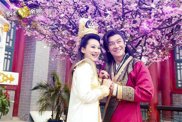 在《天天有喜》中有着精彩表演的唐熙,钱璇,徐申东等,在《刘海戏金蟾图片
