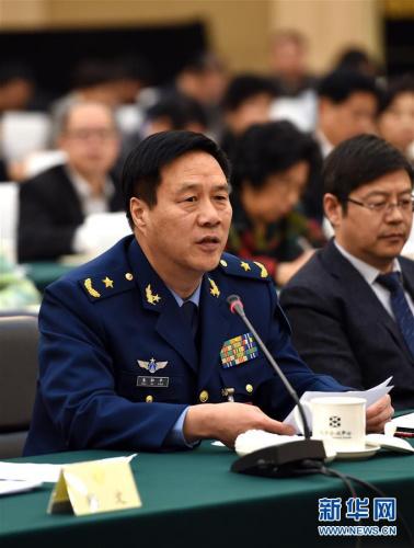 资料图:3月4日,全国政协委员朱和平发言。新华社记者张领摄
