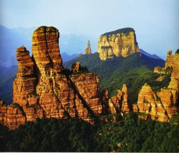 石家庄赞皇县嶂石岩。图片来源网络