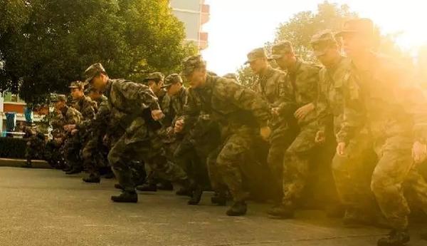 报考军校的要求与条件 报考军校视力要求 - 点击图片进入下一页