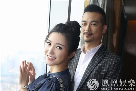【有意思】杨子姗丸子头现身上海 清新甜美又俏皮