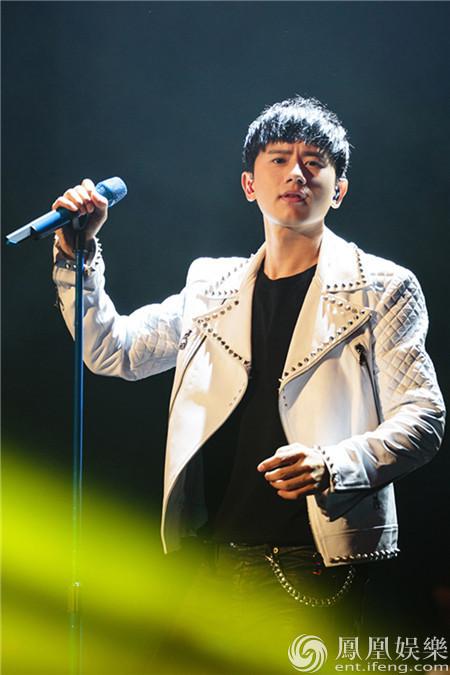 【星娱TV】张杰广州演唱会首唱星际3主题曲 主创惊喜现身