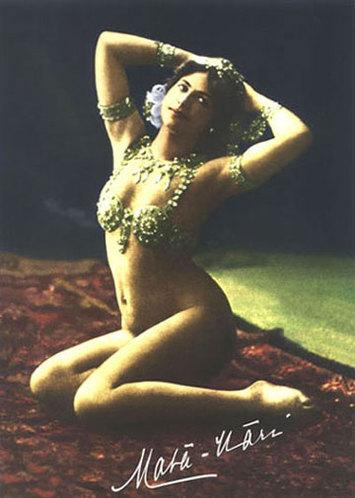 """肚皮舞阿拉伯原名为""""RaksSharki"""",意指东方之舞,因此又称""""东方舞蹈""""。"""