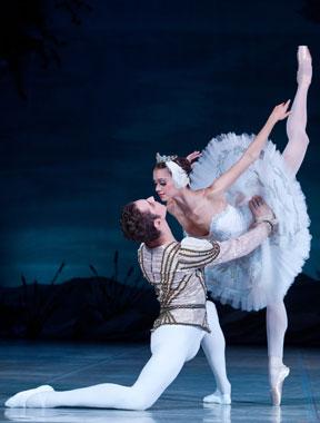 俄罗斯 天鹅湖/俄罗斯国家芭蕾舞团《天鹅湖》高清剧照欣赏