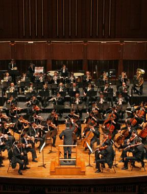 中国国家交响乐团在芝加哥音乐厅表演