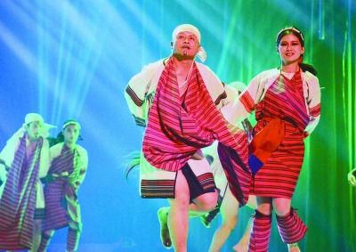 """""""中华民俗薪传演艺""""欲打造一个长期的深台文化交流平台。图为台湾原舞曲文化艺术团演绎的《口簧琴舞》。"""