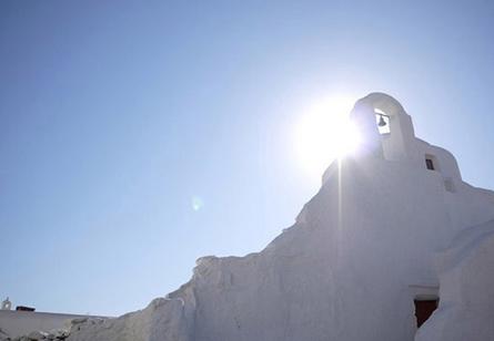 走进希腊,感受阳光下的生机、热情与温暖。