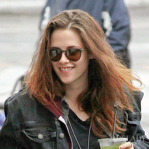 3,头发黏腻打结 暮光女kristen stewart不时被狗仔街拍,看到的发型