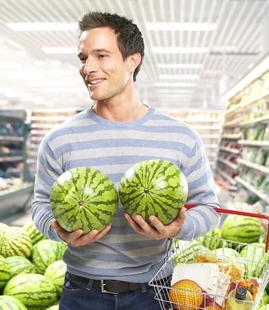吃西瓜十禁忌 男人怎么吃西瓜才壮阳
