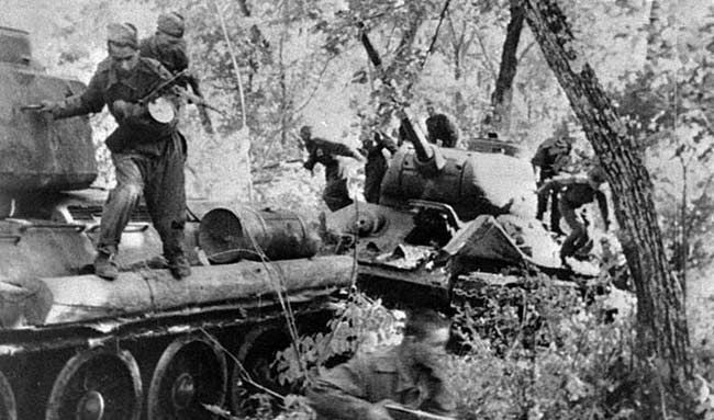 俄专家称二战中苏军解放朝鲜代价惨重 美军来摘桃子