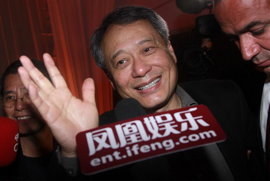 李安接受凤凰娱乐独家采访。
