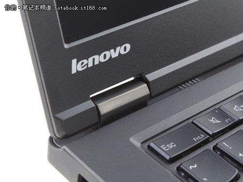 搭载全高清显示屏附带数字小键盘区