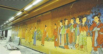 南京地铁不堪场面_南京地铁三号线近日进行不载客试跑,它连接江北和江南,全程29个站点